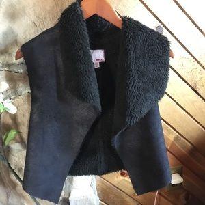 Faux fur Bongo reversible fuzzy black vest S/C